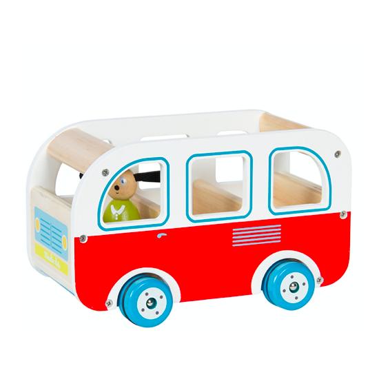 Bus en bois et son chauffeur