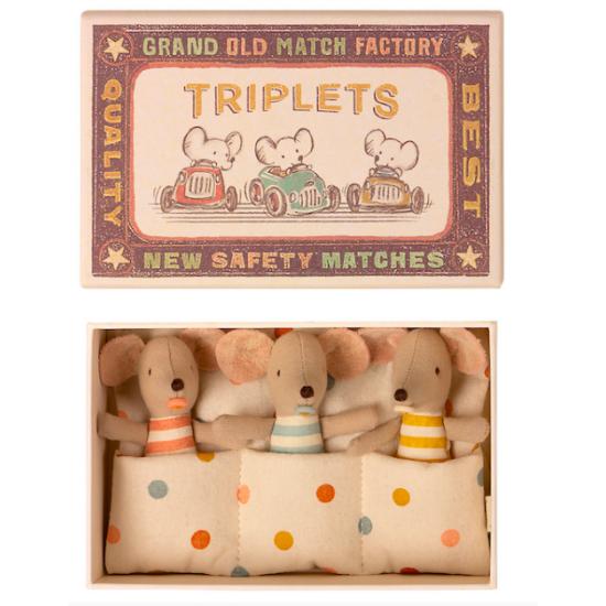 Bébés souris triplés